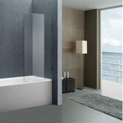 Стеклянные шторки на ванну: тренд или необходимость?